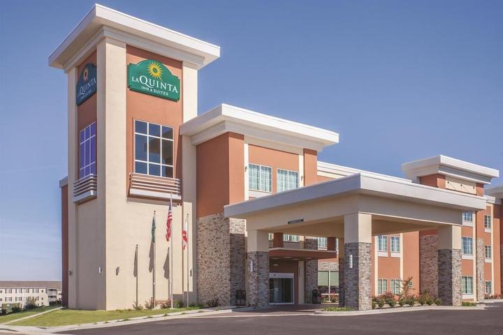 Pet Friendly La Quinta Inn & Suites Cullman