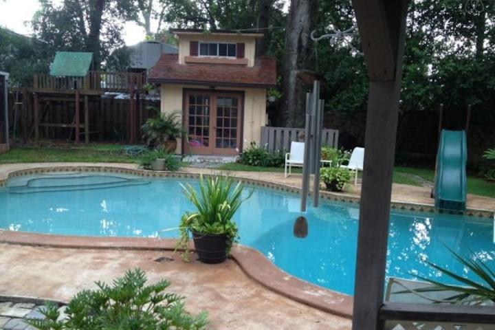 Pet Friendly Longwood Airbnb Rentals