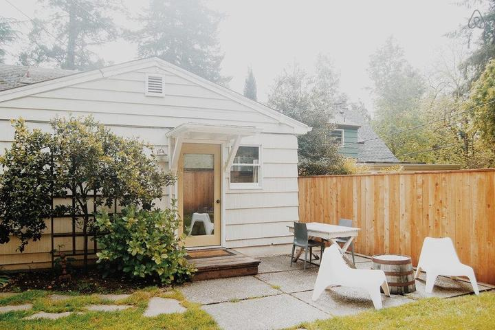 Pet Friendly Woodburn Airbnb Rentals