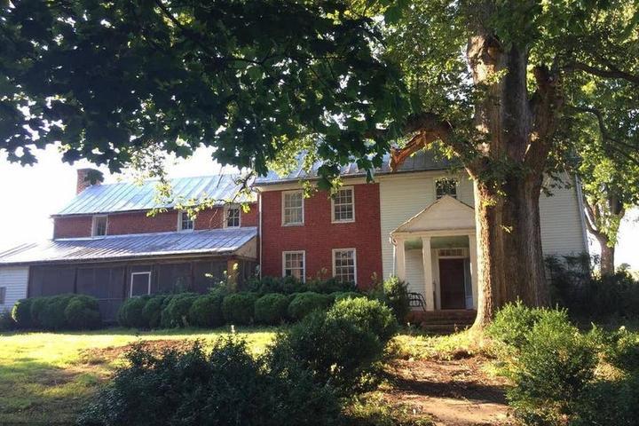 Pet Friendly Middlebrook Airbnb Rentals