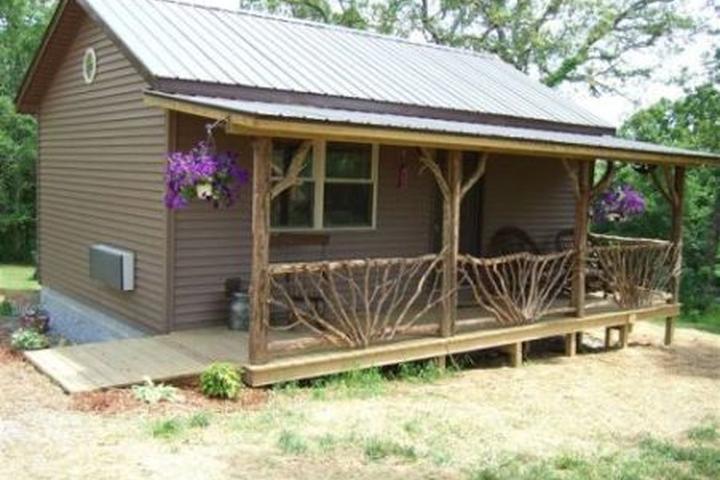 Pet Friendly Rim Rock's Dogwood Cabins