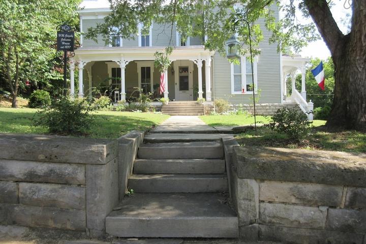 Pet Friendly Lawrenceburg Airbnb Rentals