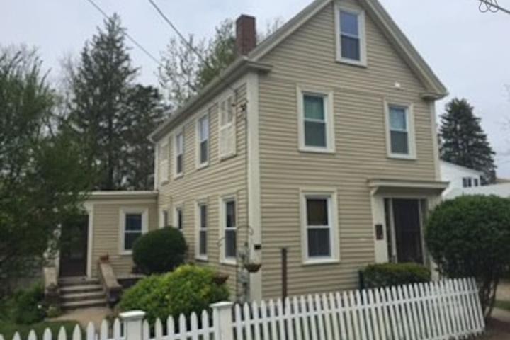 Pet Friendly Gloucester Airbnb Rentals