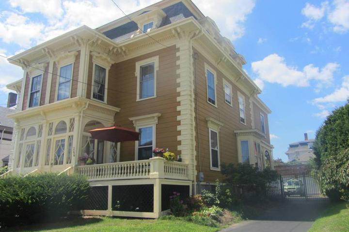 Pet Friendly Salem Airbnb Rentals