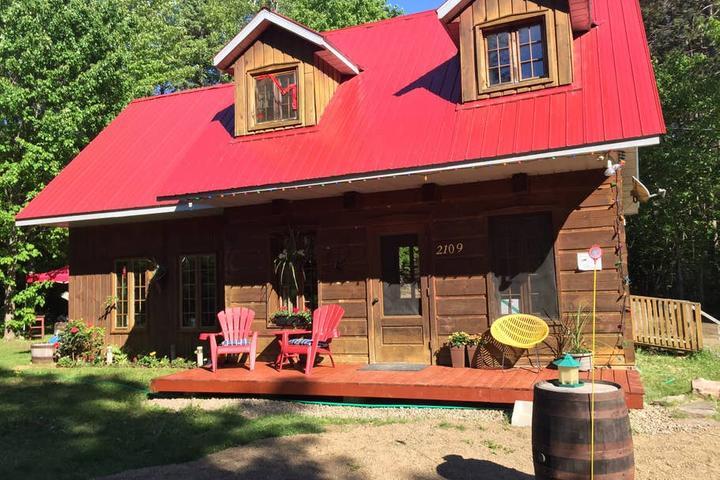 Pet Friendly Saint Damien Airbnb Rentals