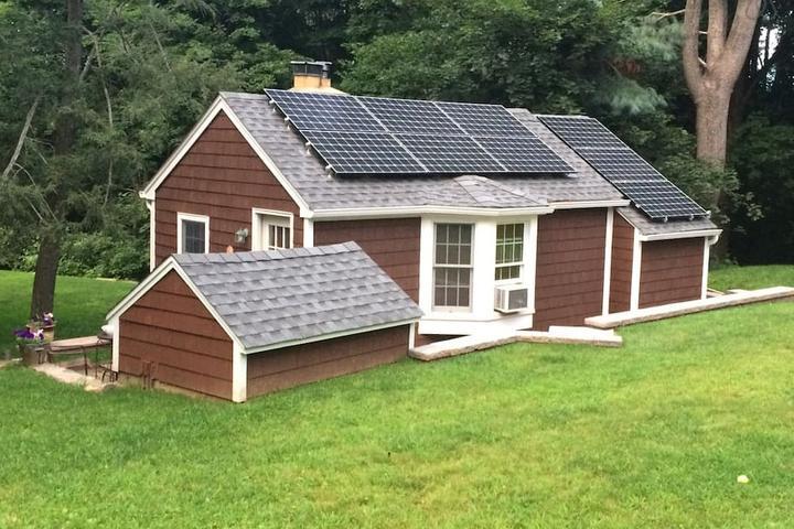 Pet Friendly White Plains Airbnb Rentals