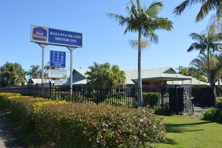 Pet Friendly Hotels in West Ballina, AU - Bring Fido