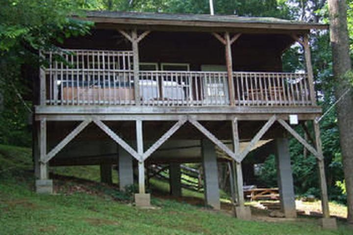 Pet Friendly Nantahala Cabins