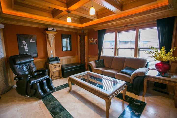 Pet Friendly King City Airbnb Rentals