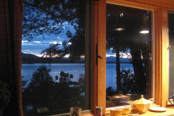 Pet Friendly Lakefront Starlit Boho Hideout