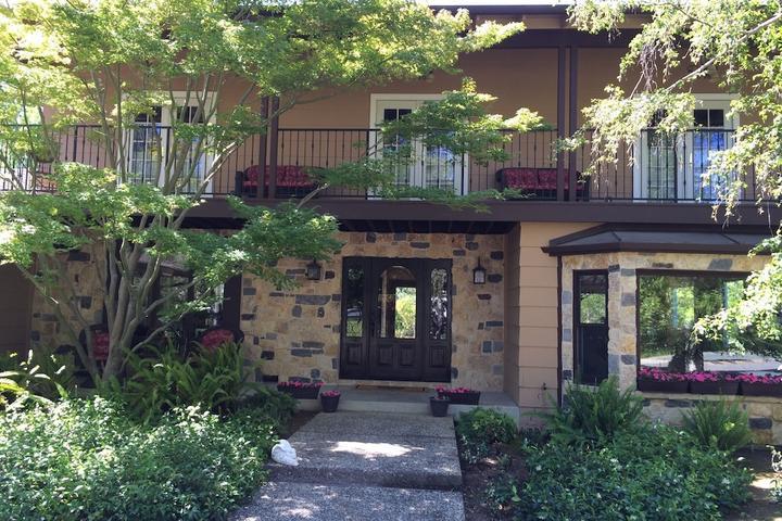 Pet Friendly Los Altos Hills Villa