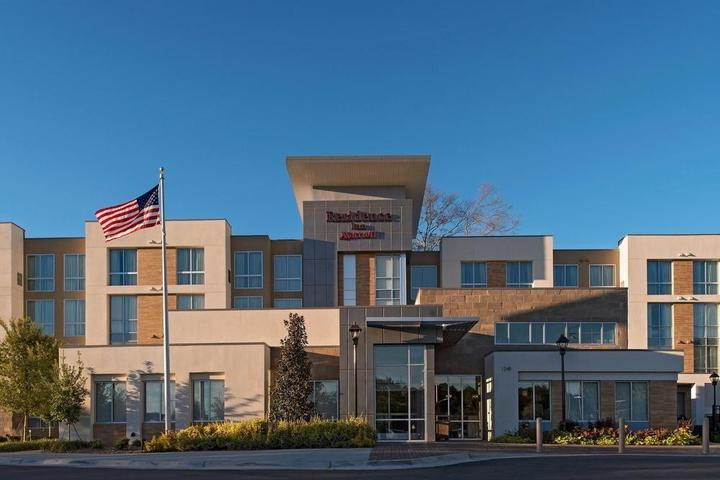Pet Friendly Residence Inn by Marriott Jackson The District at Eastover