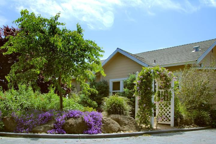 Pet Friendly Cottages on Armstrong