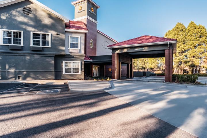 Pet Friendly La Quinta Inn & Suites Flagstaff