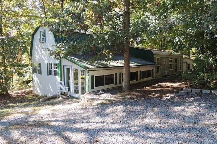 Pet Friendly Statesville Airbnb Rentals
