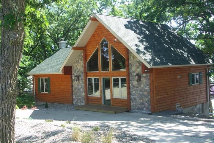 Pet Friendly Sauk Centre Airbnb Rentals