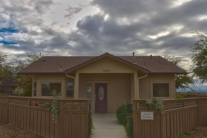 Pet Friendly Bungalow at J and J Cellars 1 Br home by RedAwning