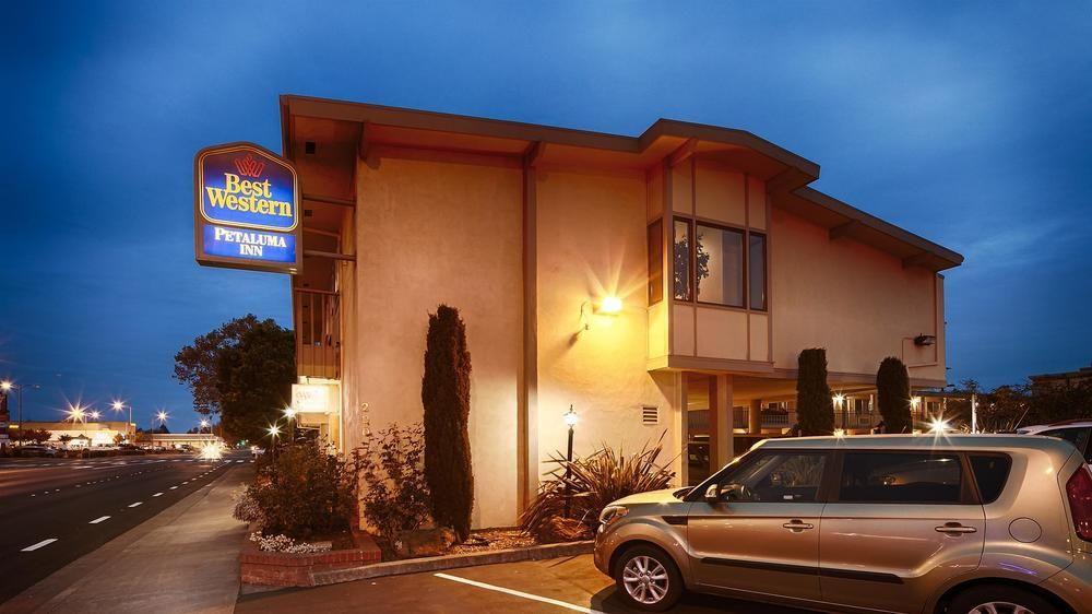 Petaluma Hotels Pet Friendly