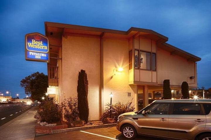 Pet Friendly Best Western Petaluma Inn