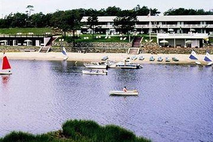 Pet Friendly Green Harbor Waterfront Lodging