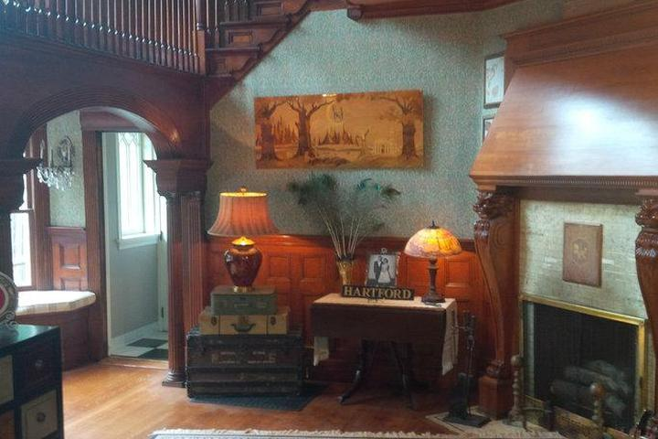 Pet Friendly Hartford Airbnb Rentals