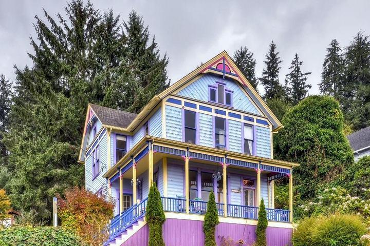 Pet Friendly The Astoria Painted Lady
