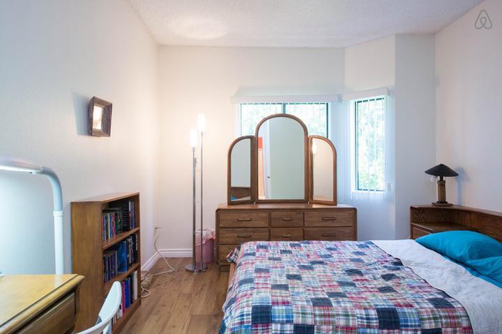Pet Friendly Encino Airbnb Rentals