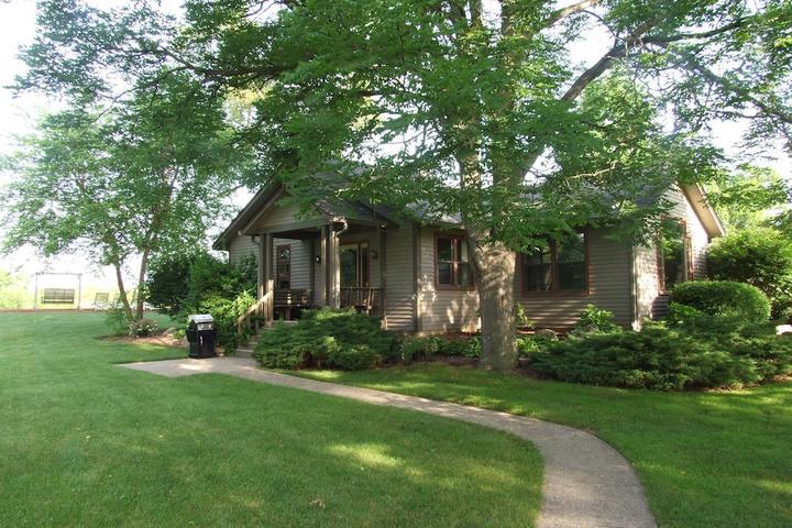 Pet Friendly Buck Creek Cottage