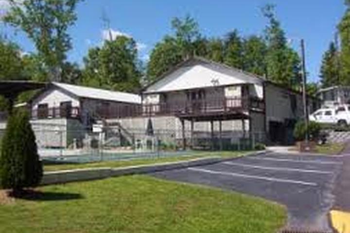 Pet Friendly Lakewood RV Resort