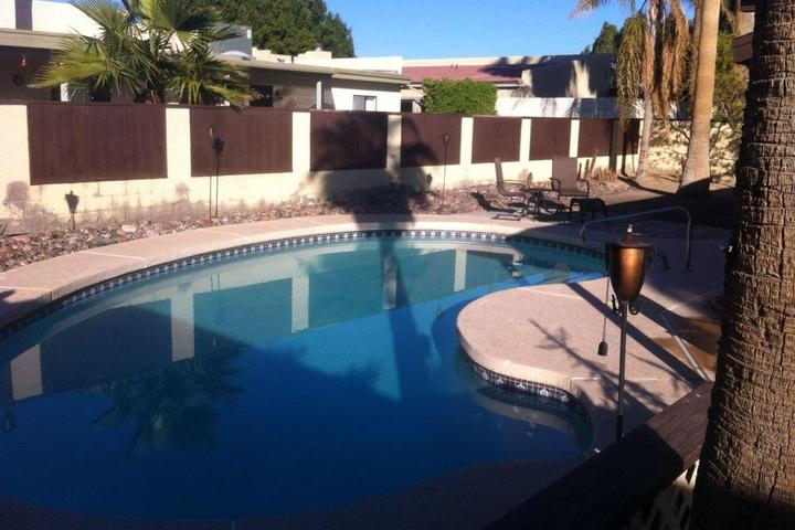 Pet Friendly Lovely Pool Home in a Quiet Upscale Neighborhood