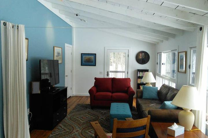 Pet Friendly Rollinsford Airbnb Rentals