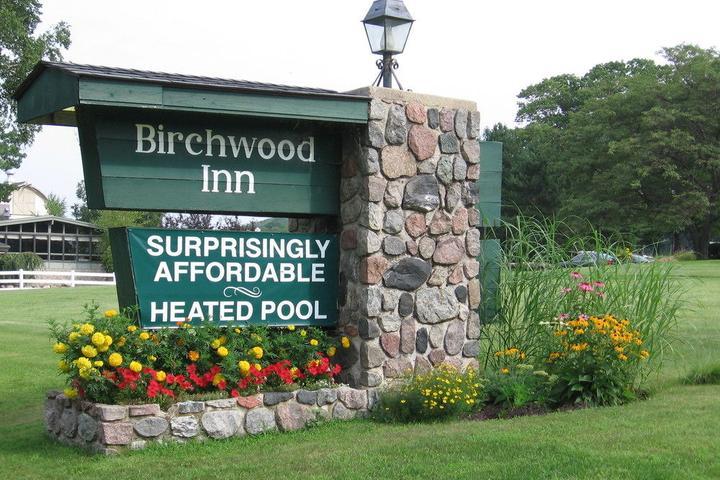 Pet Friendly Birchwood Inn