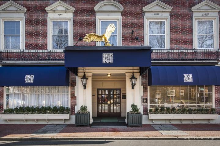 Pet Friendly Hawthorne Hotel
