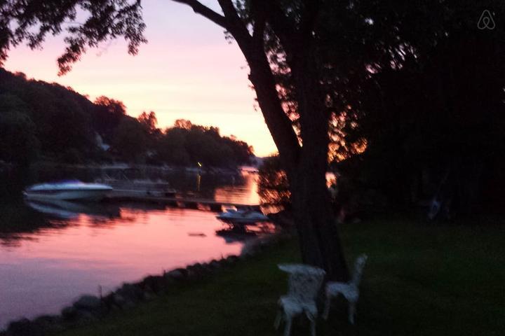 Pet Friendly Brookfield Airbnb Rentals