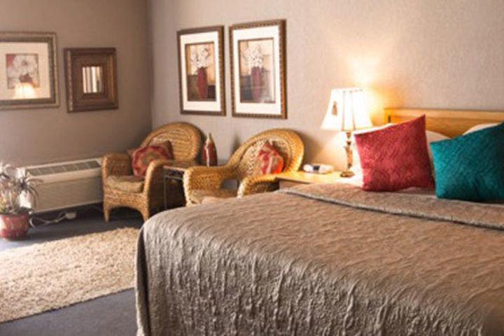 Pet Friendly SureStay Hotel by Best Western Wenatchee