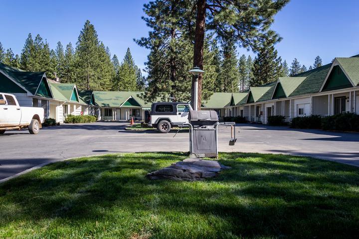 Pet Friendly Green Gables Motel & Suites