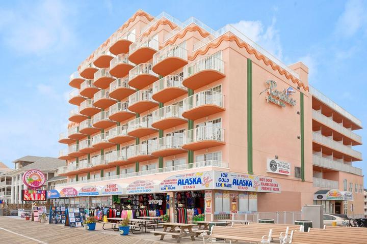 Pet Friendly Paradise Plaza Inn