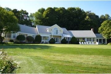 Pet Friendly Hotels In Bretton Woods Nh Bringfido