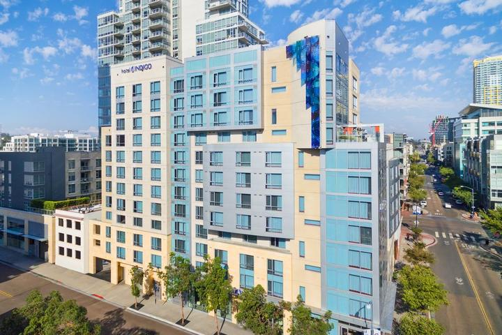 Pet Friendly Hotel Indigo San Diego Gaslamp Quarter