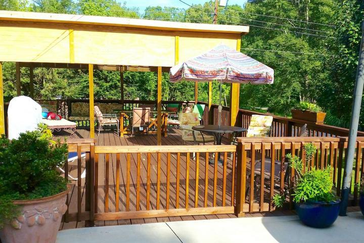 Pet Friendly Avery Creek Airbnb Rentals