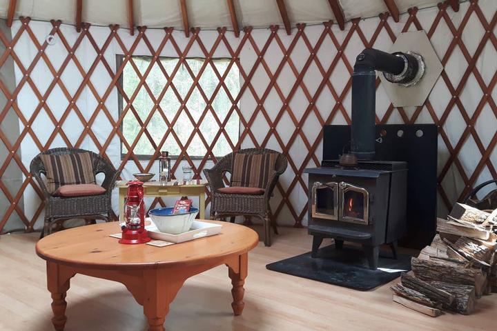 Pet Friendly Mono Airbnb Rentals