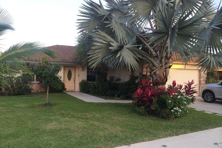 Pet Friendly 2/2 House in Abacoa with Fenced Yard