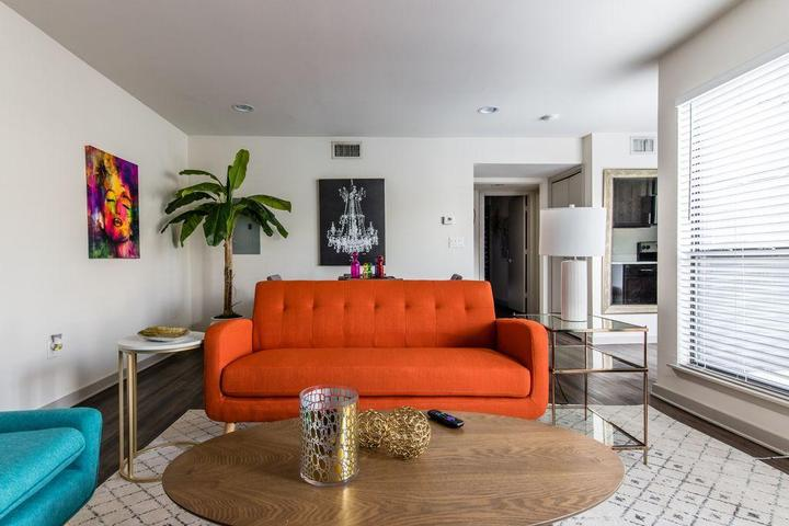 Pet Friendly 206 Reagan Hollywood Glam