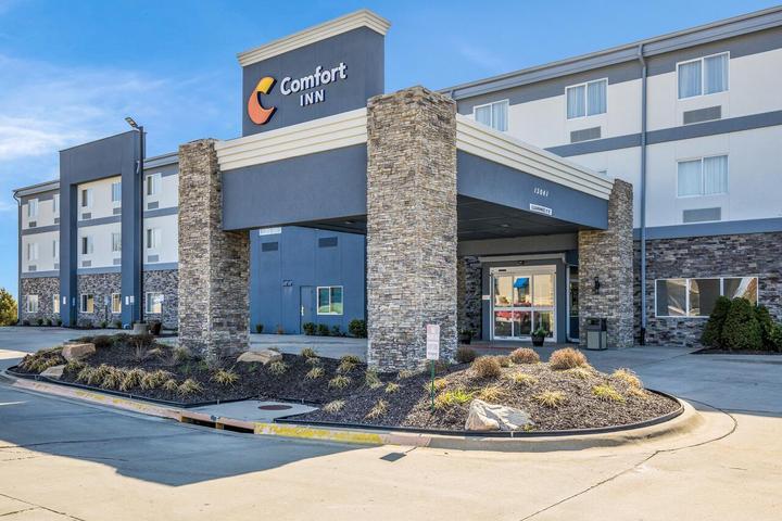 Pet Friendly Comfort Inn Bonner Springs Kansas City