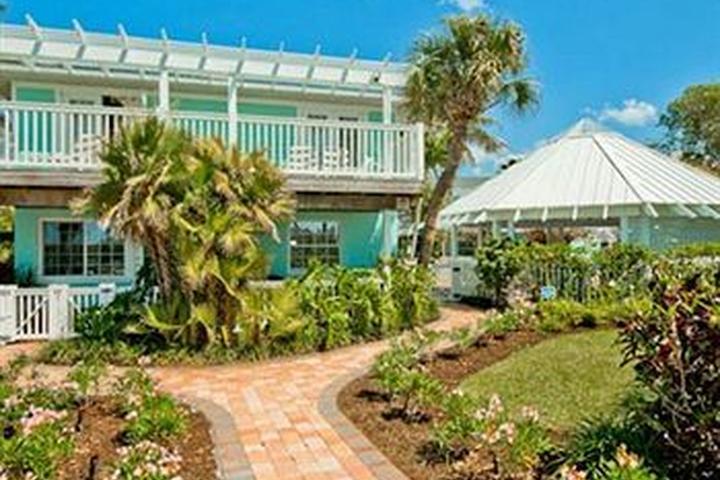 Pet Friendly Tropic Isle at Anna Maria Island Inn
