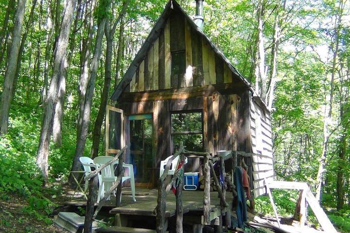 Pet Friendly West Jefferson Airbnb Rentals