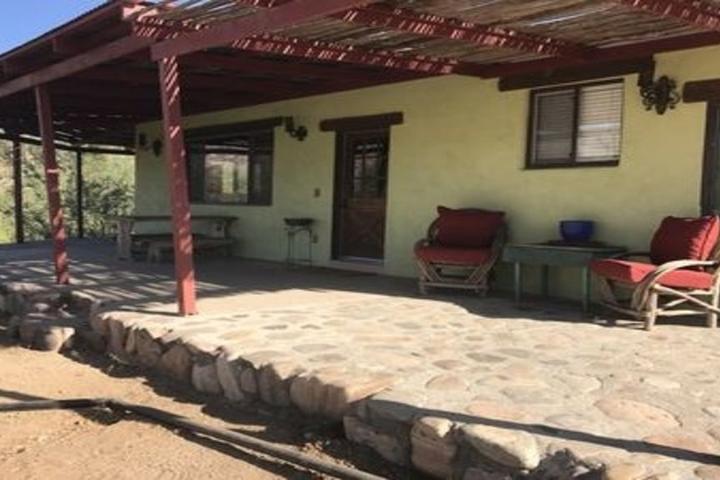 Pet Friendly Gorgeous Bunkhouse on Historic Cattle Ranch