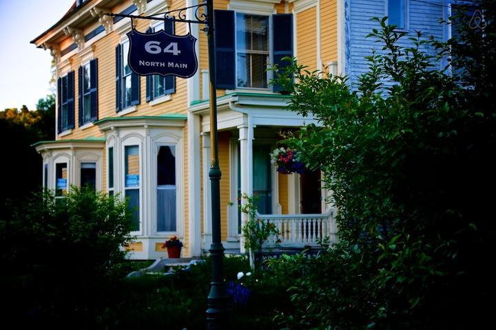 Pet Friendly Barnet Airbnb Rentals