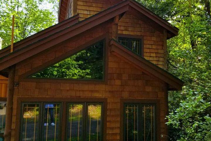 Pet Friendly Vacation Rentals in Lake George, NY - Bring Fido