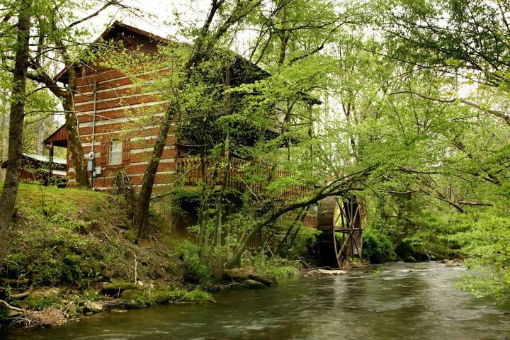 Pet Friendly Pittman Center Airbnb Rentals